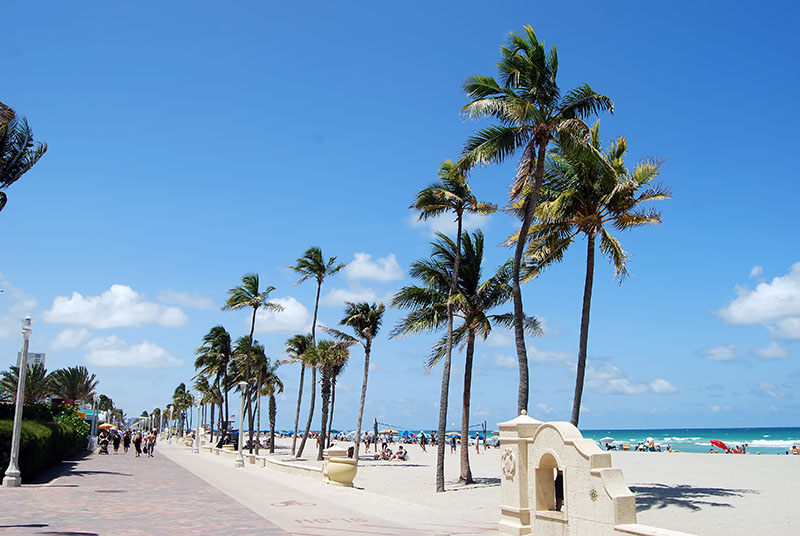 Hollywood Florida boardwalk along Atlantic Ocean