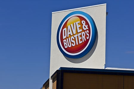 dave and busters outdoor sign