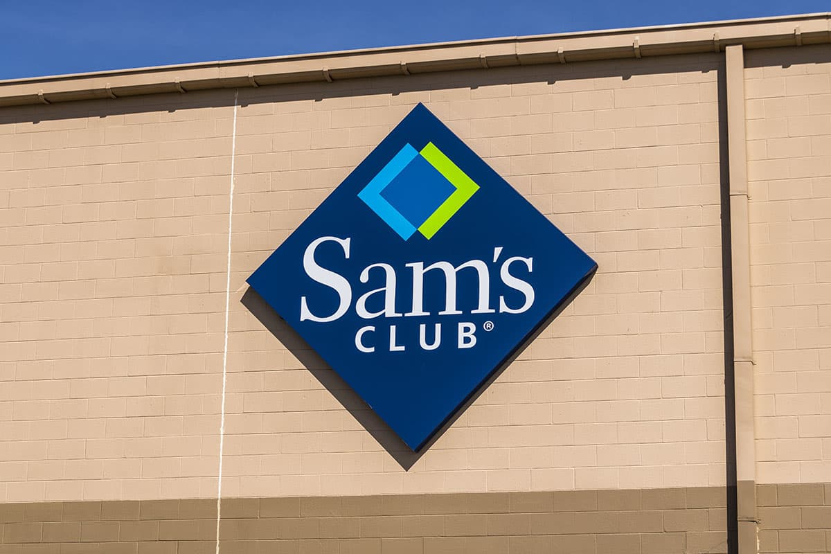 sams club sign on building